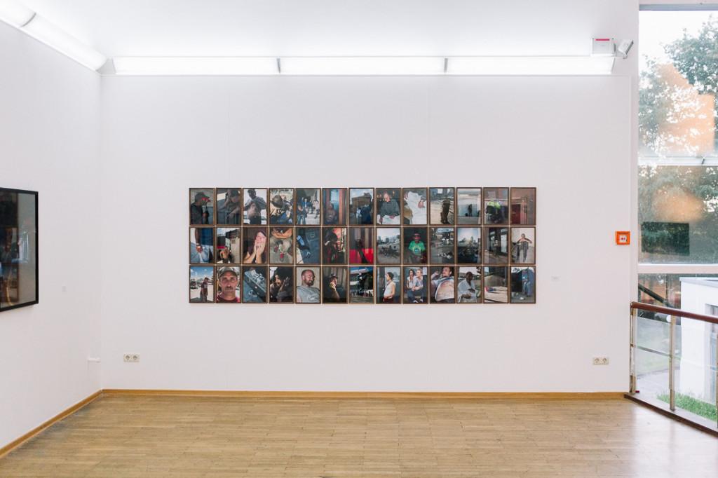 Mats-Karlsson-Fotograf-Ausstellung-exibition-Austin-Texas-Kunst-Portraits-Bilder-Tableau-Beispiel-Haengung-wand-Fh-Bielefeld-33-USA-Amerika-Homeless-Shelter-Story-Geschichten